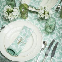 Berry Tablecloth in Green