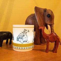 Fine Bone China Candle Natural Plant Wax Gold Frankincense Myrrh Exotic Fragranced Camel