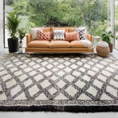 Atlas III Vintage Chunky Knot Wool Rug with Bold Diamond Repeat