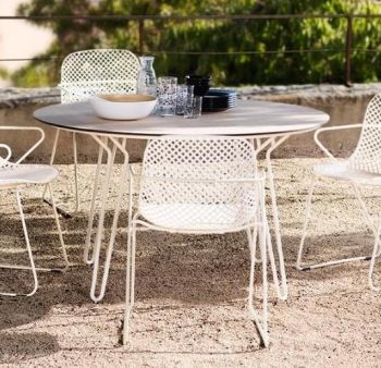 Round Steel Garden Table with Hairpin Legs in White