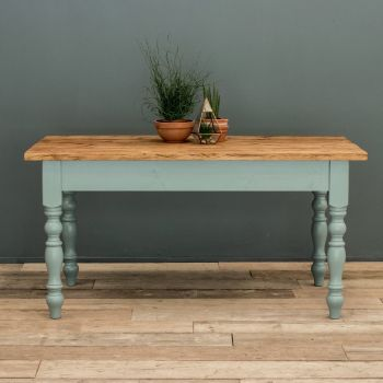 6ft Farmhouse Kitchen Table with Turned Legs