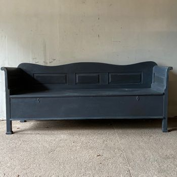 Elegant Box Settle In Slate Grey