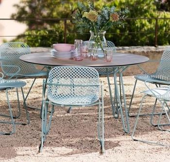 Round Steel Garden Table with Hairpin Legs in Blue