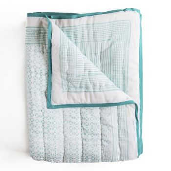 Sunflower Quilt in Aqua